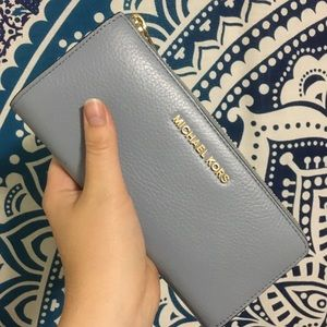 Michael Kors Clutch - Baby Blue